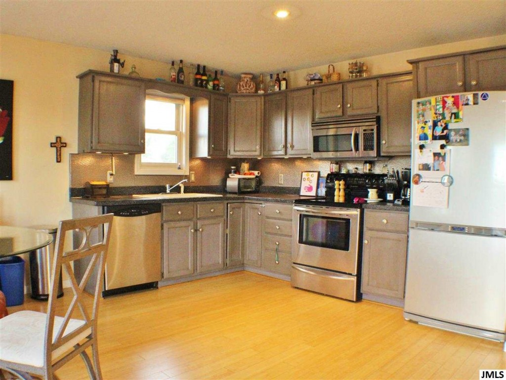 Irish Hills Mi Home For Sale - Galley Kitchen