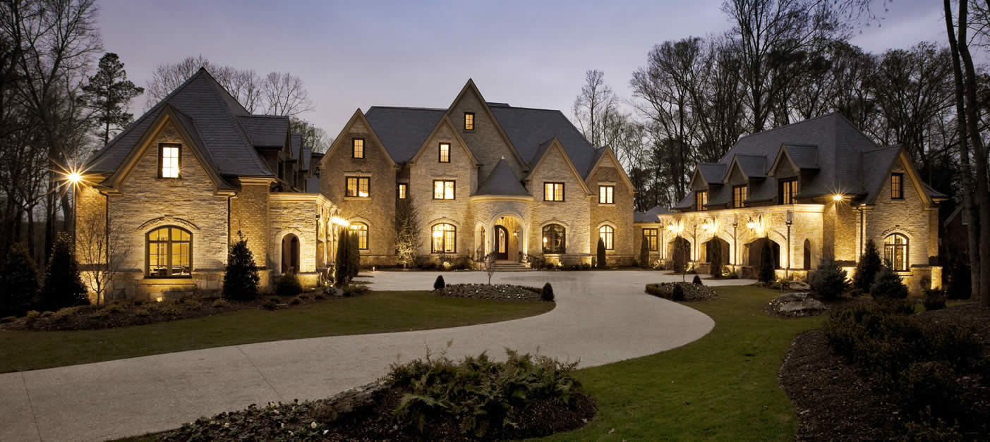 Luxury Homes: Top 5 Reasons Everyone Needs A Luxury Home Specialist